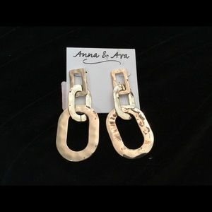Anna & Ava Gold Hammered Earring